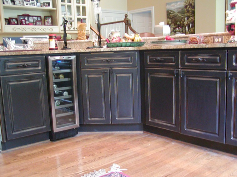 Distressed kitchen cabinets bj weeks for Bj kitchen cabinets